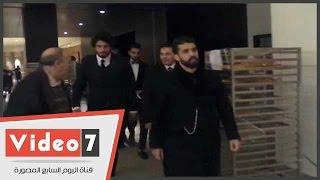 ربيعة ومروان محسن يخطفون الأضواء فور وصولهم حفل زفاف أحمد عادل