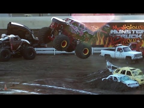 Monster Slam 17 Intro's & Best Trick @ Skagit Speedway 2017