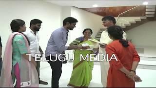 Paritala Sunitha family meets Chandra Babu to i...