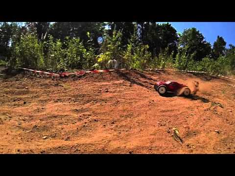 Team Associated RC18T Backyard track
