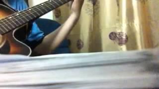 Khoảng cách chia đôi - guitar cover by Trần Anh