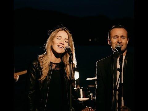 Alin si Emima Timofte - Glorios (Official Lyric Video)