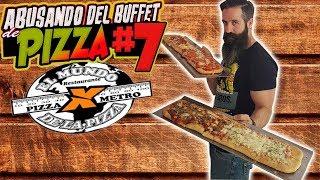 ABUSANDO DEL BUFFET DE PIZZA 7 - Pizza por metro estilo uruguayo