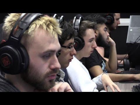"""La Gaming Academy, une école pour """"e-sportifs"""" à Lyon"""