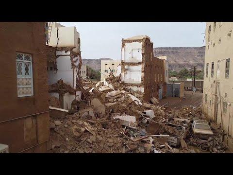 شاهد: قتلى وجرحى في اليمن جراء أمطار وفيضانات دمرت مبان وشردت آلاف العائلات…  - نشر قبل 2 ساعة