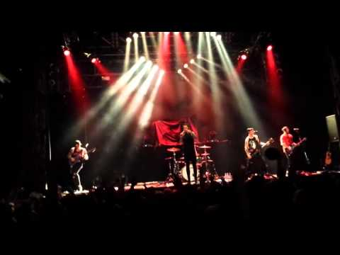 Falling In Reverse - Theres No Sympathy For The Dead [LIVE] [HQ]