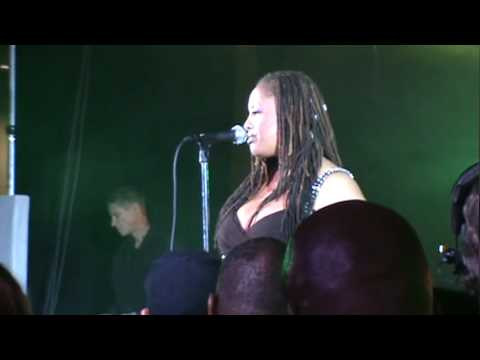 "Lalah Hathaway - ""One Day I'll Fly Away"" - 2010 Essence Music Festival, New Orleans - 07/04/10"
