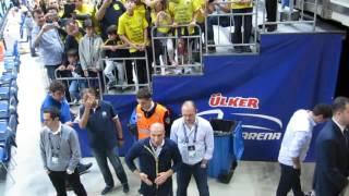 Fenerbahçe-Efes maçı öncesi takım ve koçun sahaya çıkışları