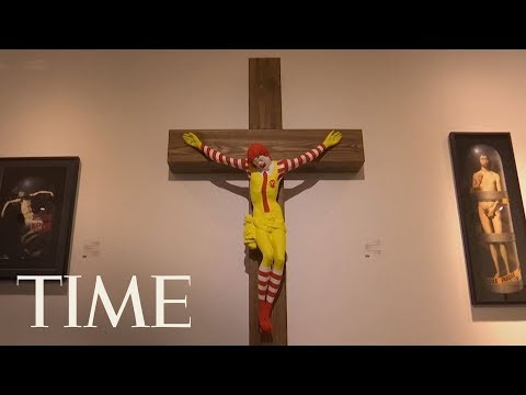 Manny's - Outrage Over McJesus Statue in Israel