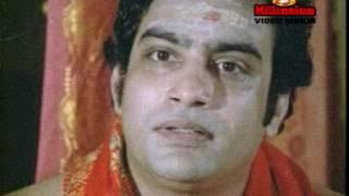 Njaane Saraswathy Njaane Lakshmi..