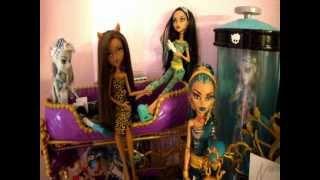 Все мои куклы Monster High (мини обзор)(Вот долгожданный обзор, надеюсь вам понравится. Ставьте пальцы вверх, снимайте видео ответы, буду очень..., 2012-03-18T19:24:49.000Z)