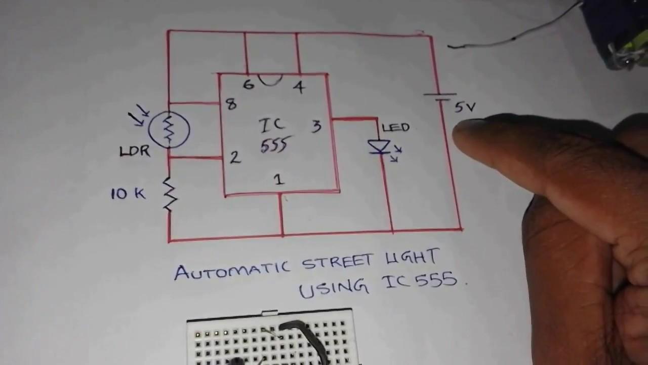 Automatic street light using IC555