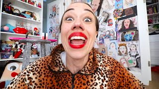miranda-sings-saying-hey-guys-for-10-minutes-straight