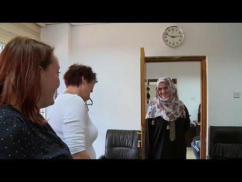 -حسناء داعش- الألمانية في لقاء تلفزيوني برفقة عائلتها لأول مرة  - نشر قبل 3 ساعة