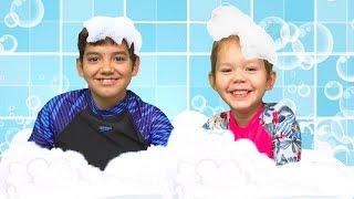 Bath Song - kids songs from Hey Dana