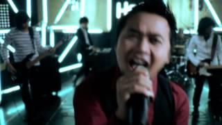Video Hello - Pejuang Cinta (Official Music Video NAGASWARA) #music download MP3, 3GP, MP4, WEBM, AVI, FLV Oktober 2017