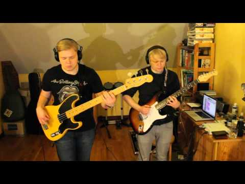 Mark Ronson - Uptown Funk ft. Bruno Mars (bass and guitar cover)