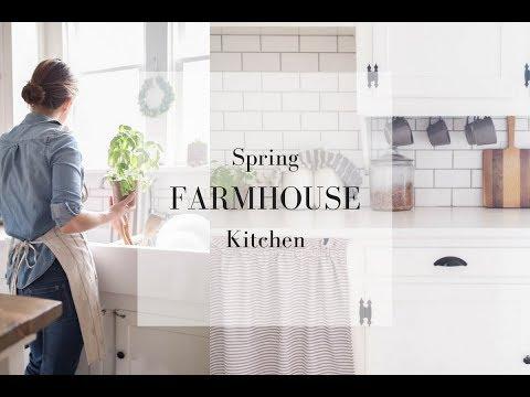 SPRING FARMHOUSE KITCHEN- Natural Decor Ideas