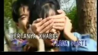 Download UKAYS   Disana Menanti Disini Menunggu  versi Indonesia    YouTubevia torchbrowser com
