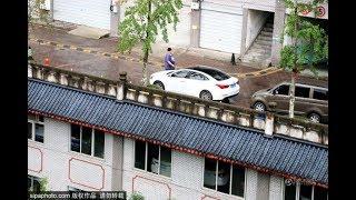 Lạ kỳ Trung Quốc xây hẳn đường trên mái nhà thật tuyệt vời