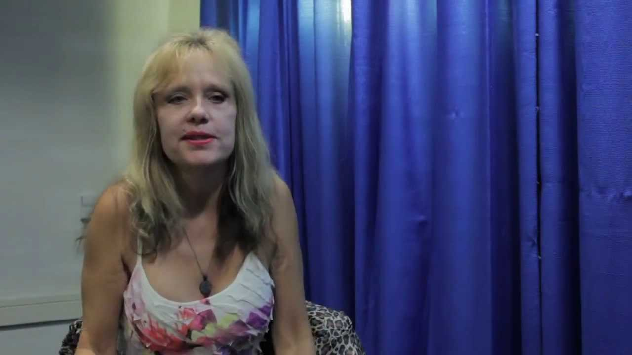 MovieViral Interview with Linnea Quigley - Dragon Con 2013 ...