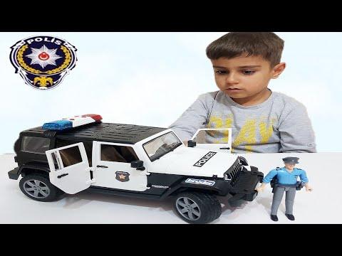 Oyuncak polis arabası.Bruder polis arabası ve memuru açtık.Police car bruder, for kids toy car video