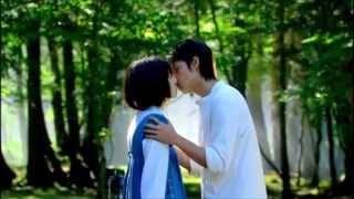 若く初々しい二人が、眩しいほどに輝いています。 世界一美しいキスシー...