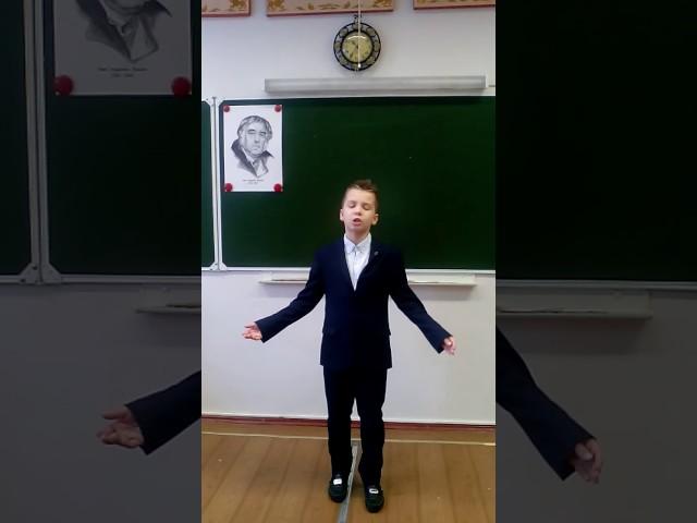 Изображение предпросмотра прочтения – АлексейКузнецов читает произведение «Волк на псарне» И.А.Крылова