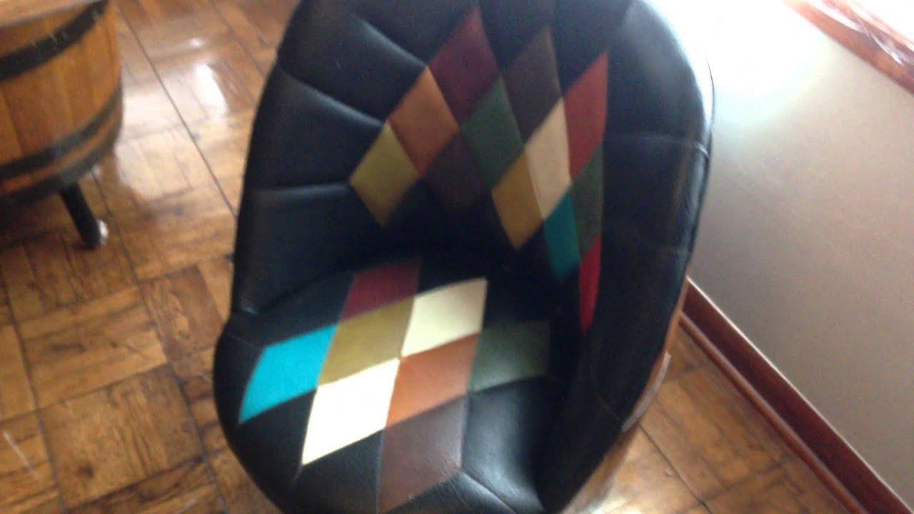 Vintage Barrel Chairs U0026 Table