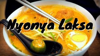 Our favorite Malaysian Food in Kuala Lumpur, Malaysia eating Peranakan cuisine (Nyonya Laksa 叻沙 喇沙)