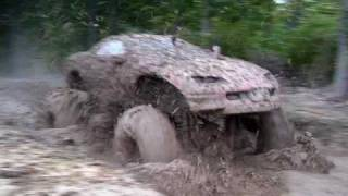 80's Monsters and Mud Boggers - Duraliner Giant vs Heartbeat of America