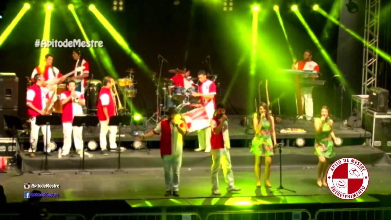 Banda De Carnaval Tocando Marchinhas Sambas De Enredo E Musicas