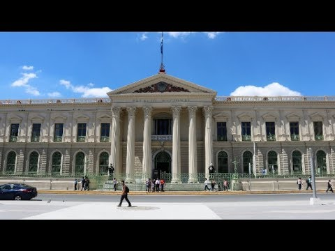 Exploring the Centro Histórico de San Salvador
