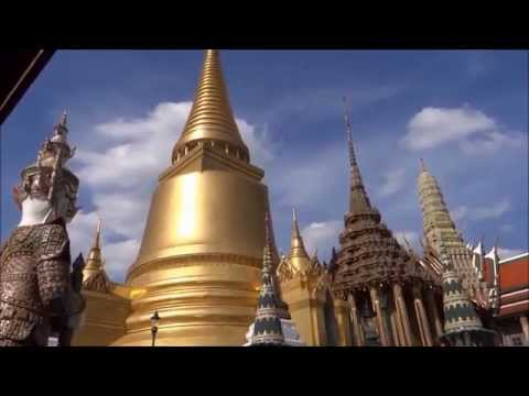 The Temple of the Emerald Buddha (Wat Phra Kaew)
