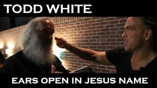 Todd White - Radical Healing of Ears in Jesus