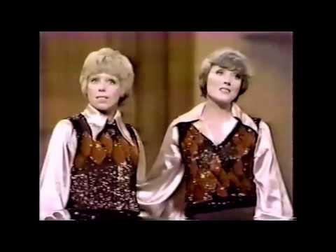 Julie Andrews & Carol Burnett  60's Medley live