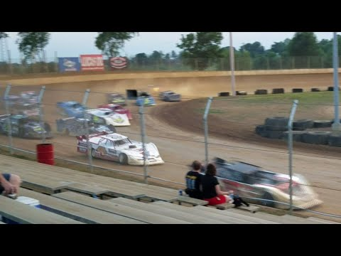 Super late model feature start @ Florence Speedway