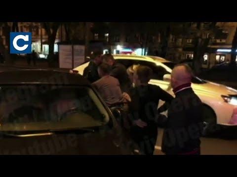 Сегодня: У столиці батько на кілька годин зачинив 2-річного сина в машині