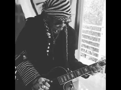 Johnny Depp ...... Morning Guitar......❤