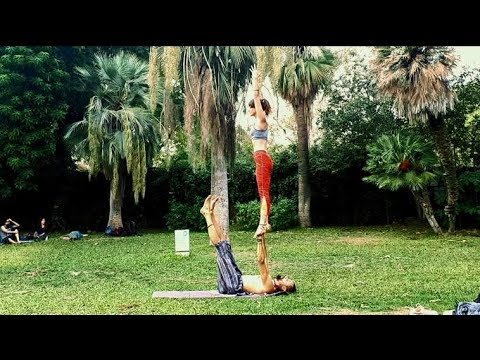 Acroyoga sequence - Whips & pops