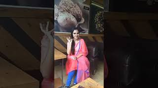 Cover images Entammede Jimikki Kammal at restaurant Song by Renjith Unni and Vineeth
