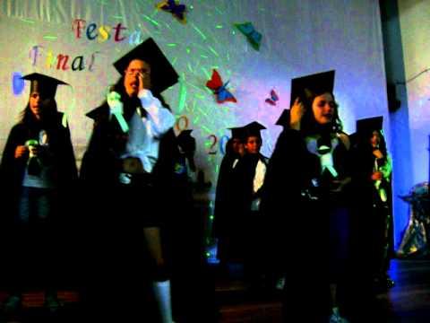 Tania Cardinali na festa de finalistas da escola de Sao cristovao de selho