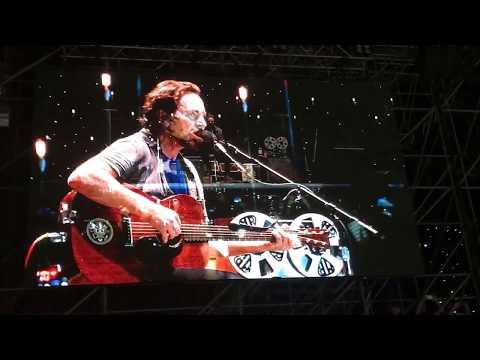 Eddie Vedder covers Comfortably Numb (Pink Floyd) + Imagine