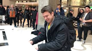 street piano performance: people were shocked...