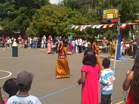 Yeading Junior School, Hayes, Summer Fair 2010 - YouTube