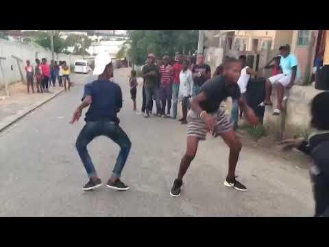 Skhothane dance - YouTube