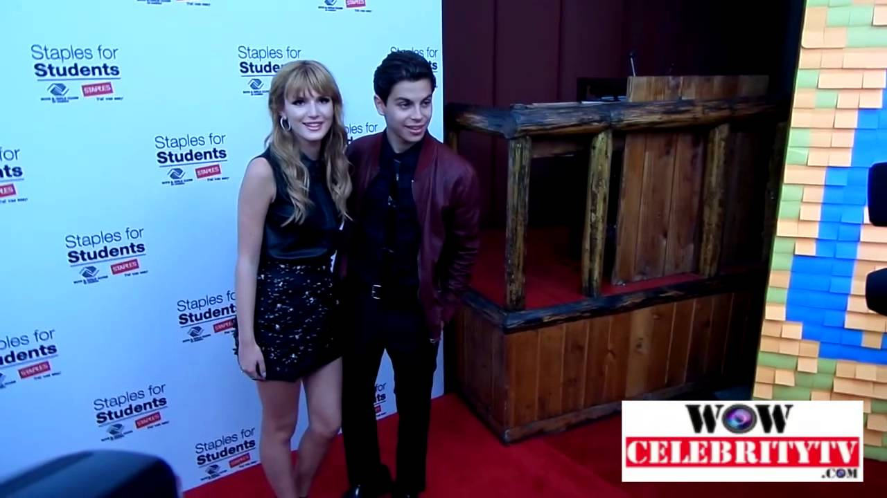 Bella Thorne and Jake T Austin rock the red carpet at ... Jake T Austin And Bella Thorne Kissing