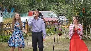 Скачать Роза белая роза алая Александр Сенюта Шпак 16 Алеся Крейдич 16 и Оля Гвоздов 14 л