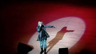 2010年 1月11日 藤沢市民会館 成人式にて 新成人への応援ライブ パート...