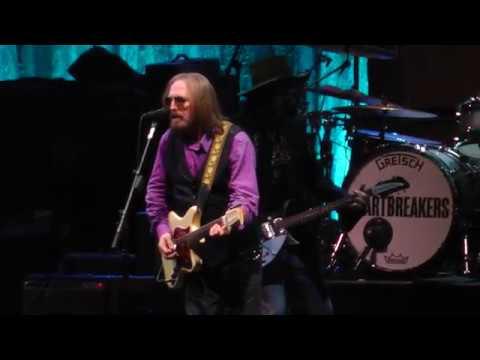 Tom Petty And The Heartbreakers - American Girl (Newark,Nj) 6.16.17